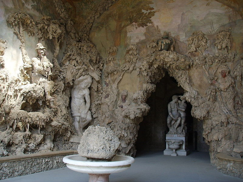 First chamber of Buontalenti Grotto, Florence