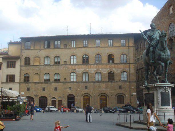 Palazzo della Mercanzia in Piazza della Signoria