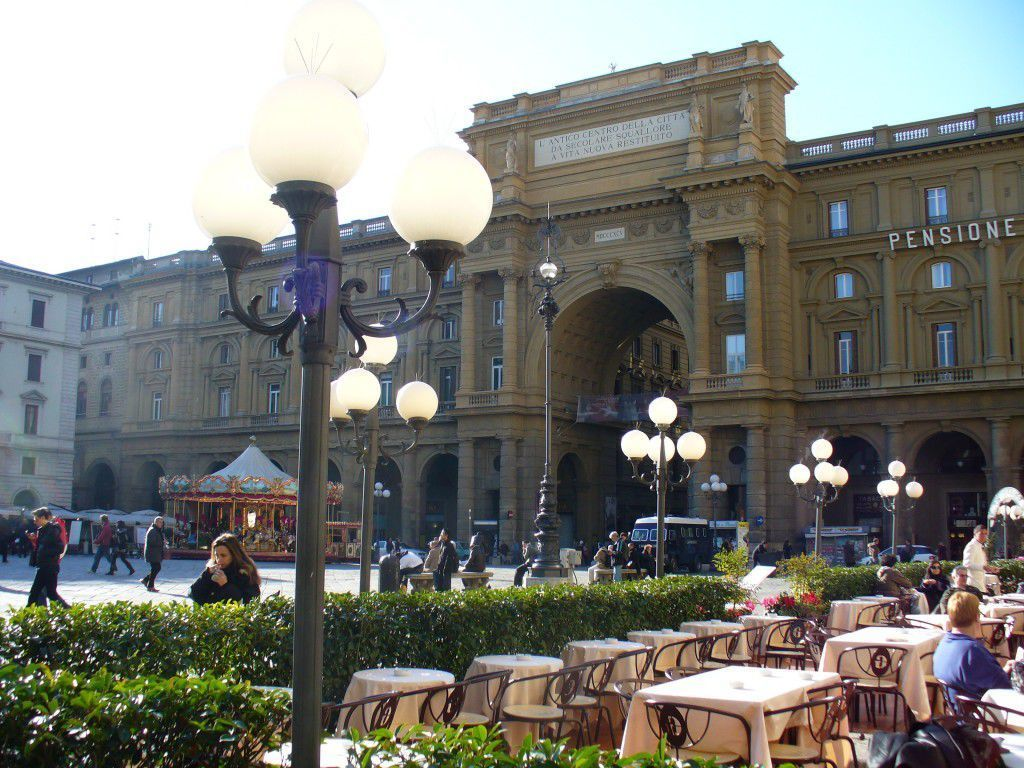 Piazza della Repubblica and its cafes