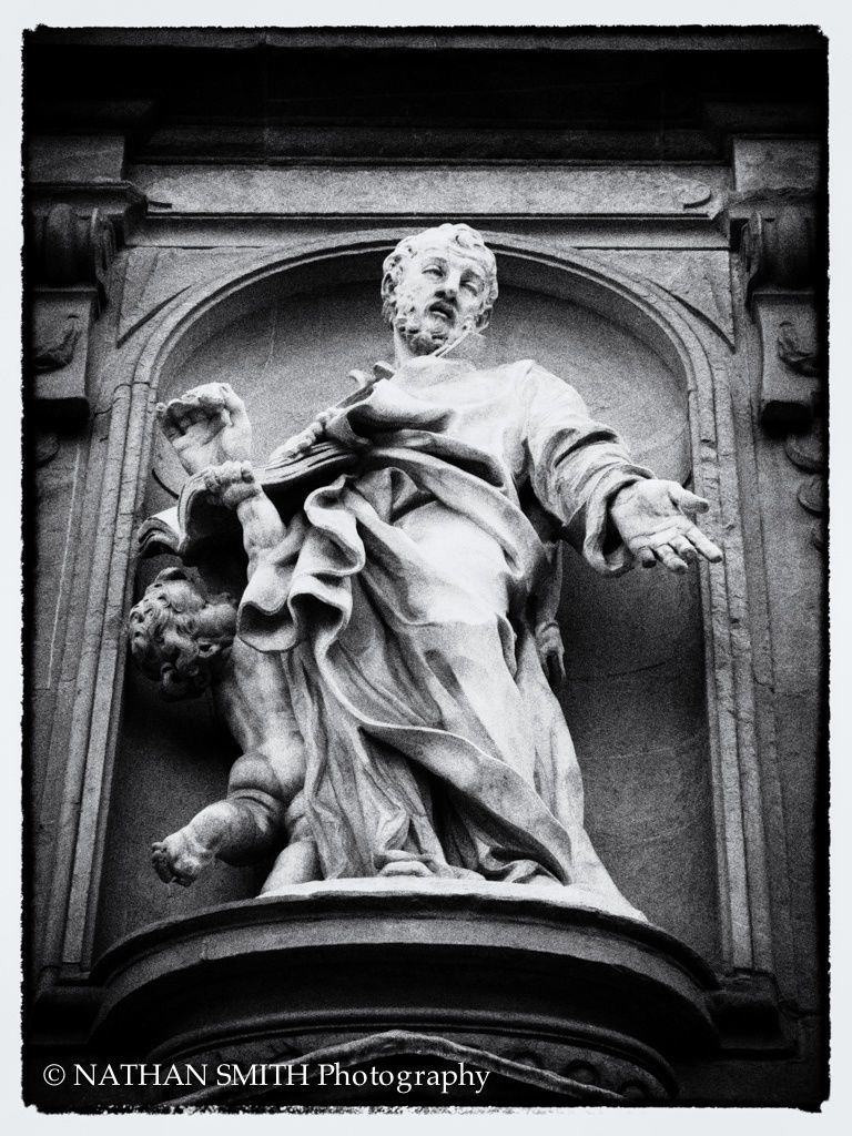 Florence Photo Tour - Statue by Nathan Smith