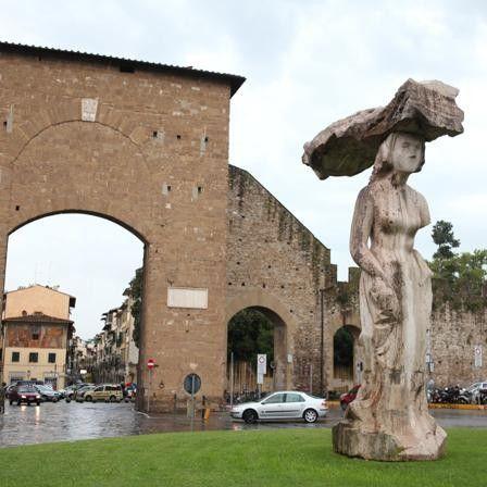 Pistoletto's statue in Porta Romana, Florence