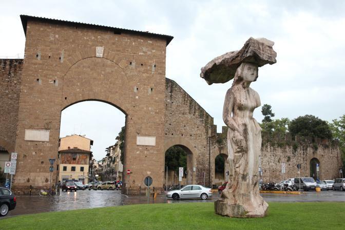 Dietro Front Michelangelo Pistoletto S Statue In Porta Romana