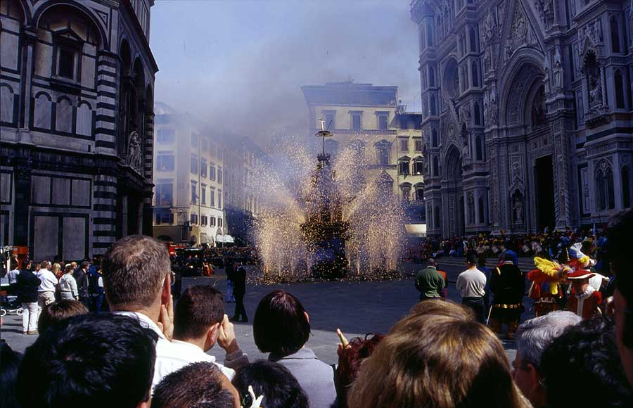 Explosion of the cart in Florence, Italy
