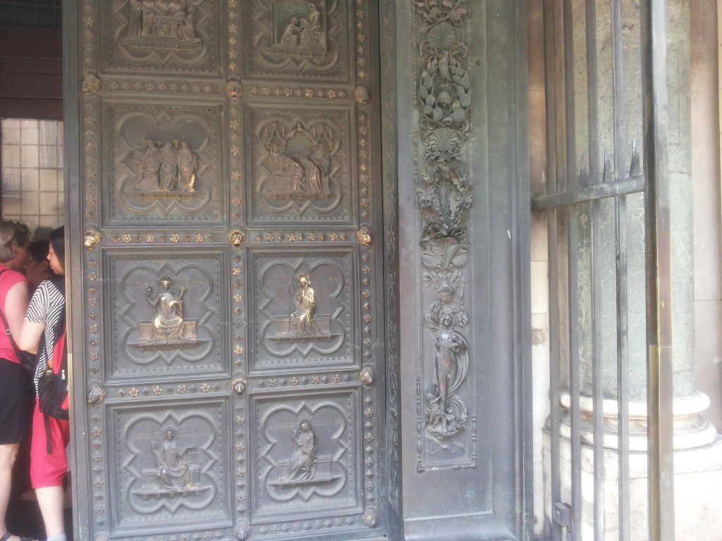 The South Doors by Pisano and the external decoration by V. Ghiberti