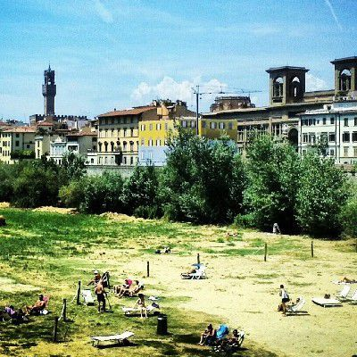 Easy living beach Ferragosto Florence