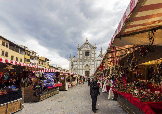 Santa Croce Florence christmas market