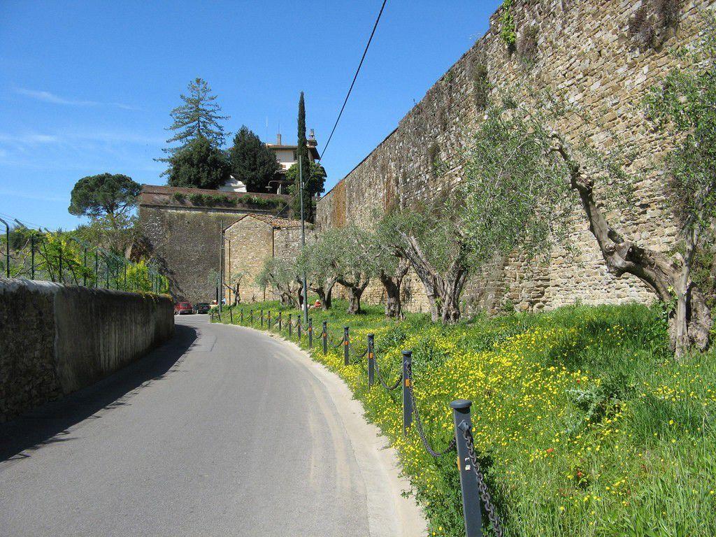 Via di Belvedere by Nicola CC BY-NC-SA 2.0