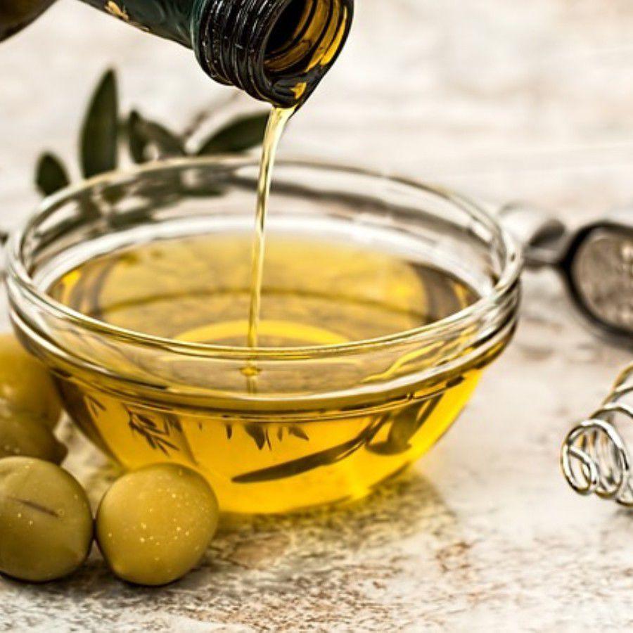 Olive Oil by pixabay CC BY-SA 3.0