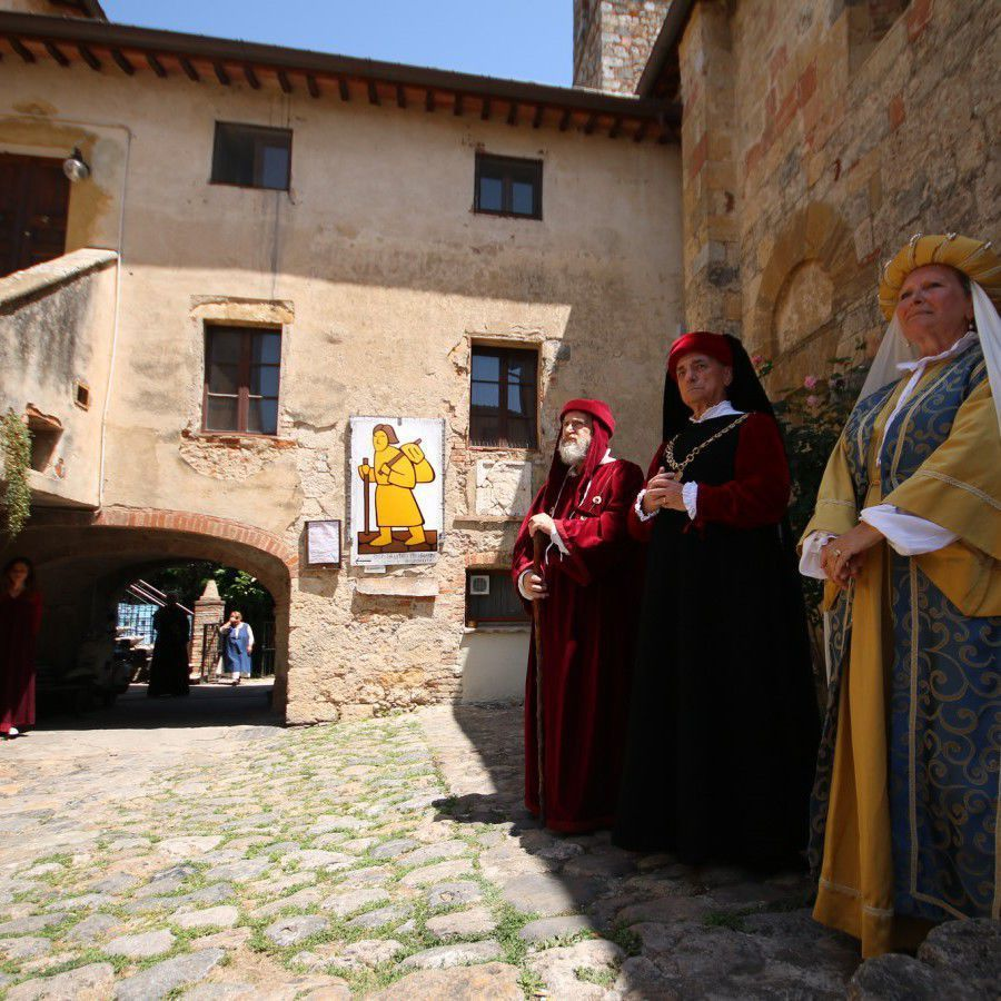 Medieval Feast in Monteriggioni by Visit Tuscany CC by 2.0
